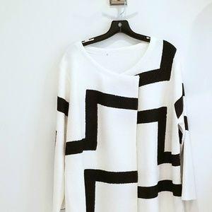 Berek white with black graphic asymmetric blazer
